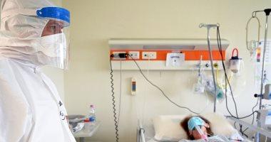 """Photo of اكتشاف أعراض جديدة """"مبكرة"""" لفيروس كورونا تختلف حسب العمر والجنس"""