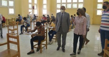 Photo of رئيس جامعة الأقصر يواصل جولاته التفقدية لمتابعة سير الامتحانات.. صور