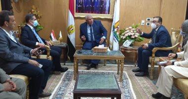 Photo of وزير التنمية المحلية يشهد توقيع بروتوكول تعاون بين محافظى الغربية والوادى الجديد