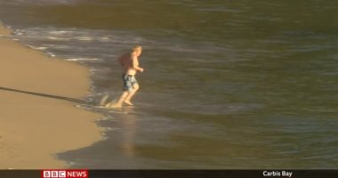 Photo of BBC: جونسون يذهب للسباحة وبايدن يحضر قداس الأحد قبل اختتام قمة السبع.. صور